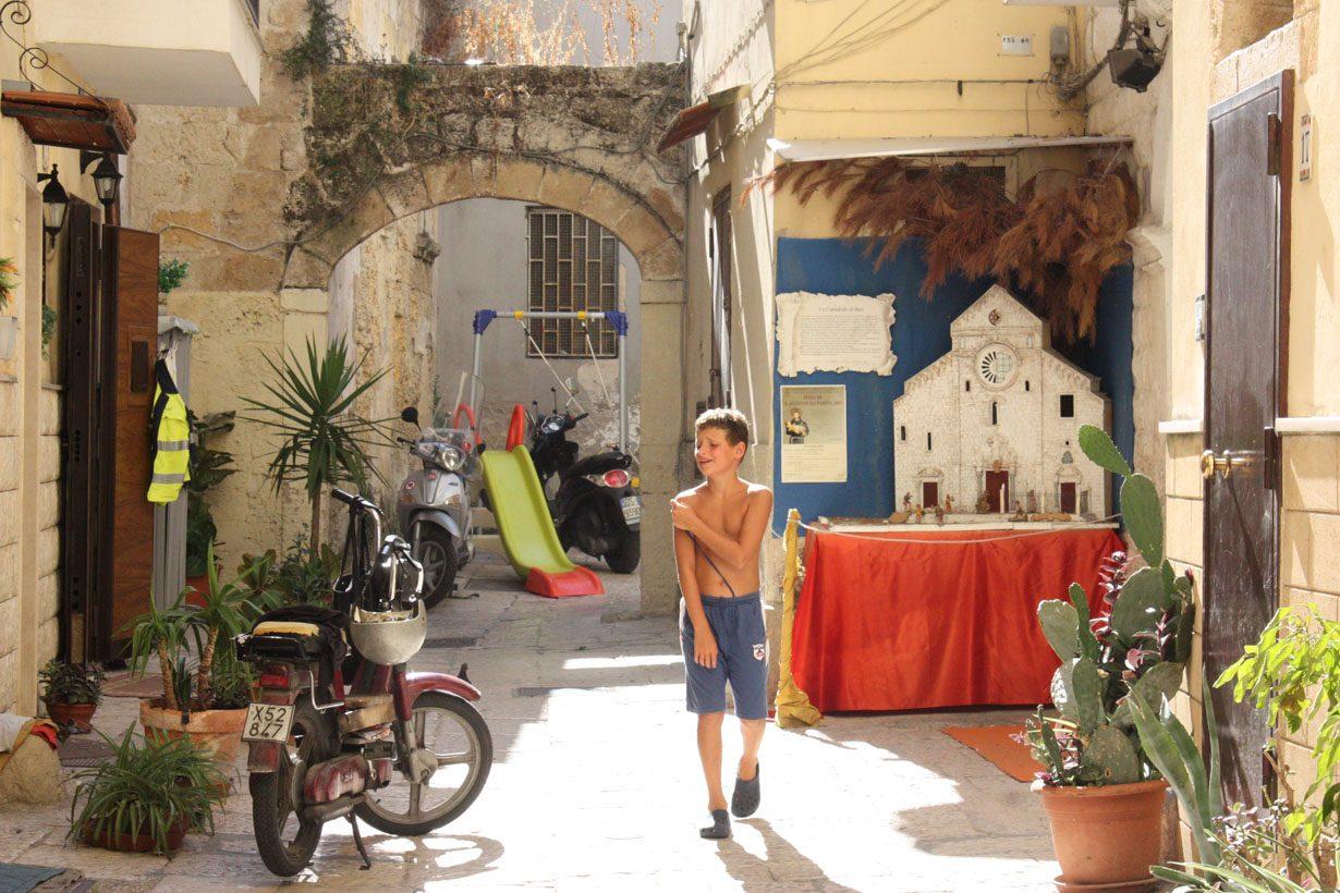 Jedna z uliczek w centrum Bari