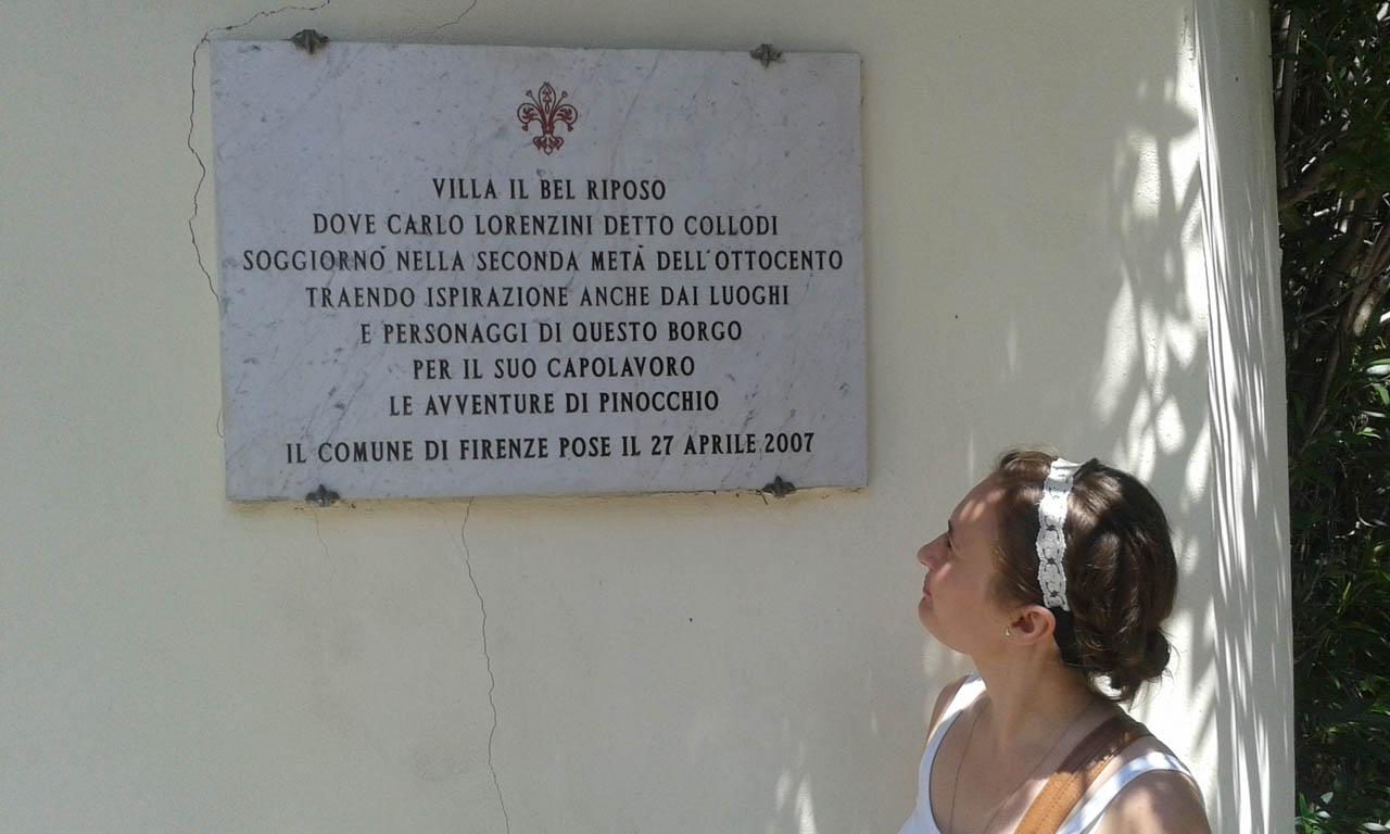 Tabliczka upamiętniająca miejsce napisania Pinokia